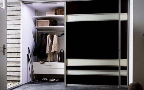 Черный шкаф купе в прихожую