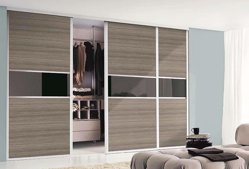 трехдверный шкаф купе в гостиную
